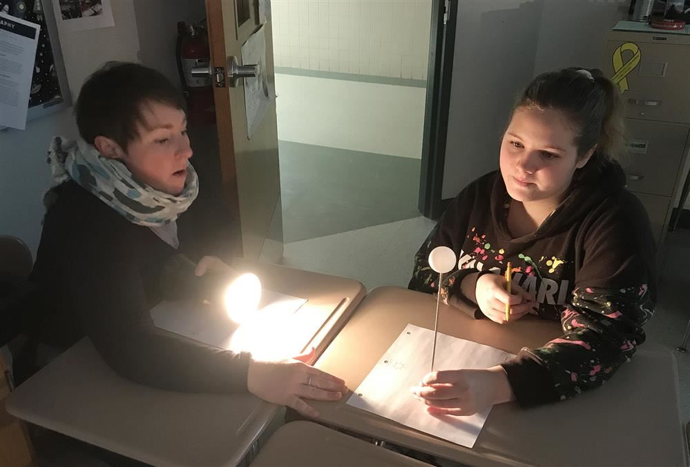 Jefferson 8th Graders Learn About Moon Phases